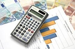 Mit dem Haushaltsbuch die Ausgaben immer im Blick behalten.